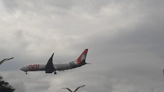 Boeing 737-800 PR-GOP on final approach coming from Fortaleza near to land in Manaus