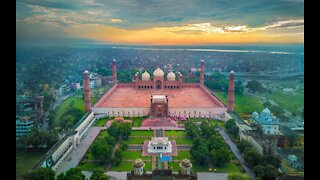 PAKISTAN City LAHORE in 8 Minutes   Tour Guide   New Developments 2020