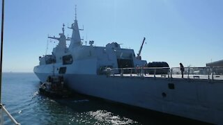 SOUTH AFRICA - Cape Town - Chinese Russian and SA Navy Vessels Leaving (Video) (T5K)