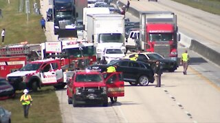 Woman dies in crash on Florida's Turnpike near Donald Ross Road