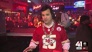 Super party underway at Power and Light to support Chiefs