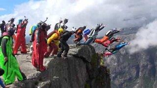 22 basehoppere hopper utfor klippe i Norge