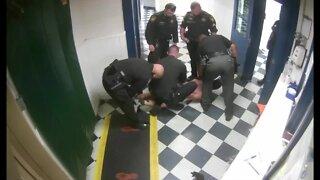 Hamilton County deputy kicks restrained inmate in head