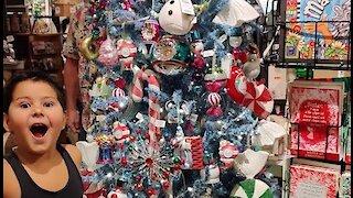 Christmas: A Walk Through Christmas Wonderland