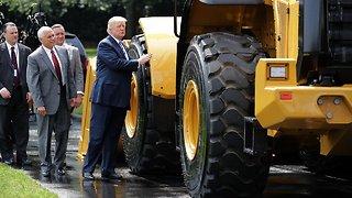 Trump Signs Executive Order Expanding 'Buy American' Effort