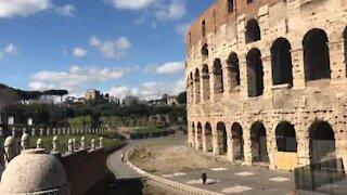 Covid-19: Rome, devenue ville fantôme