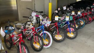 Port St. Lucie police host toy distribution