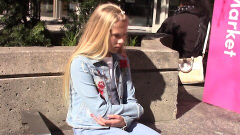 Social experiment: Would you help a lost child?