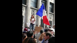 """Huge protest in France against the global tyranny """"Liberté""""!!"""