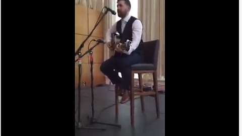 Best Man Gives Sublime Wedding Speech With His Guitar