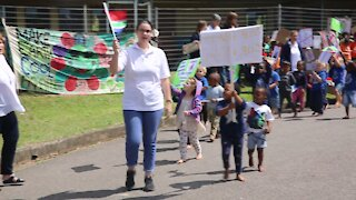SOUTH AFRICA - Durban - School protest against cellphone tower (Videos) (qMA)