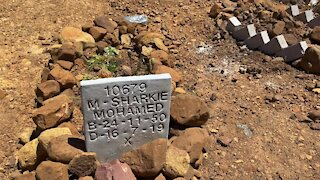 SOUTH AFRICA - Cape Town - Mowbray Muslim Cemetery desecration (Video) (bhg)