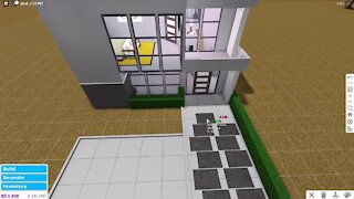 Building a House without coloring it on Bloxburg