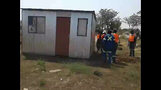 People left homeless as shacks are flattened in Rustenburg (NAy)