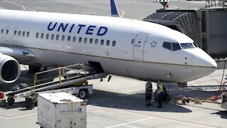 United Airlines To Require New Employees Be Vaccinated For COVID-19