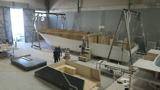 SOUTH AFRICA - Cape Town - Boat building (Video) (eDJ)