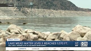 Lake Mead water levels drop to 1,070 feet