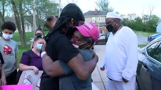 Milwaukee woman leaves hospital after 63 day battle with COVID-19