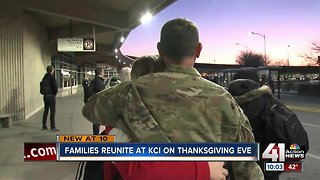 Thanksgiving travel brings family moments to KCI