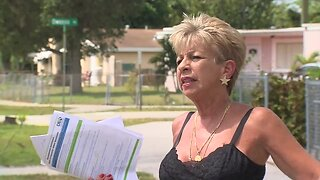 WEB EXTRA: Lantana worker files for unemployment using paper application (3 minutes)