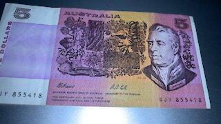 OLD $5 AUSTRALIAN NOTE