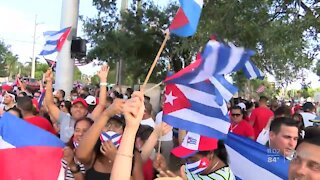 Hundreds rally in South Florida in support of Cuban people