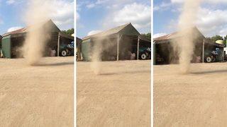 Amazing footage of tornado