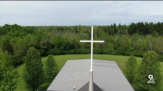 Indiana church takes precautions before allowing services inside