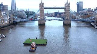 Wayne Rooney's bicycle kick recreated using Tower Bridge as goal
