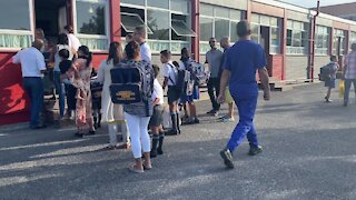 SOUTH AFRICA - Cape Town - First day of school for Grade 1, Goodwood Park Primary school(Video) (tAx)