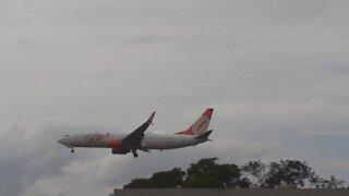 Boeing 737-800 PR-GUJ en approche finale avant d'atterrir à Manaus depuis Fortaleza