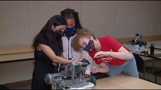 UNLV encourages girls to enter STEM fields in robotics camp