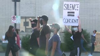 Kansas City protest group marches on Broadway