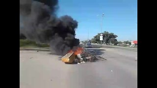 Mahikeng shutdown continues amid mounting calls for NWest premier to resign (asc)