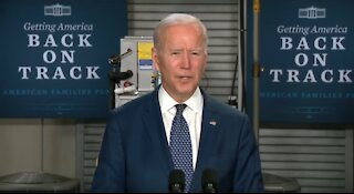Biden says people making $400k won't pay ANY TAXES