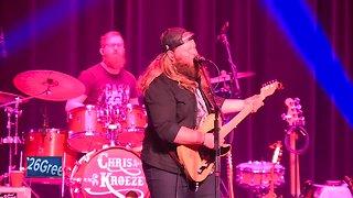 Chris Kroeze plays Green Bay concert