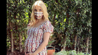 Emma Roberts gives birth