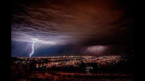EPIC lightning in Sioux Falls, South Dakota!