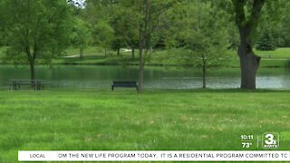 Omaha's Henry Doorly Zoo hosts lake cleanup