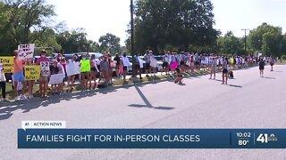 SMSD affirms decision to start school remotely, despite protests