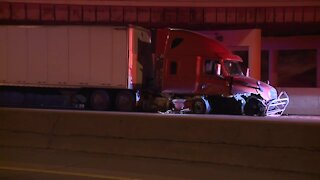 2 people hospitalized after wrong-way crash on I-71