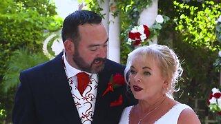 FULL VIDEO: Rod Stewart crashes couple's Las Vegas wedding
