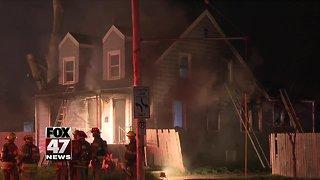 Morning fire destroys house in Lansing
