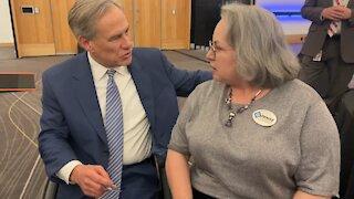 Denise Gutierrez-Homer meets Governor Greg Abbott