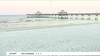 Law enforcement issues warnings to people still on Fort Myers Beach