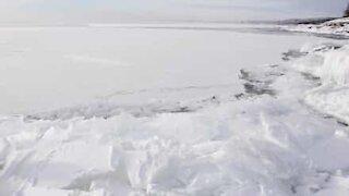 Isen på Lake Superior er levende!