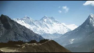 Amazing helicopter tour over Mount Everest