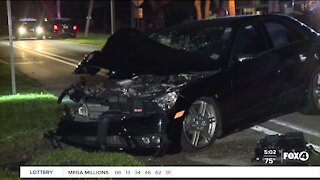 Car crashes into tree in Cape Coral