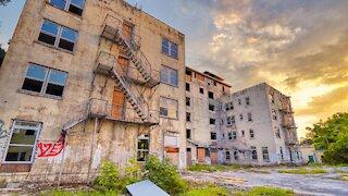 "Amazing ""Fireproof"" Abandoned Hotel In Florida"