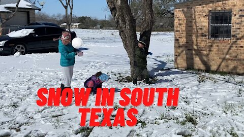 Kids Snow Ball Fight   it Snowed in south Texas
